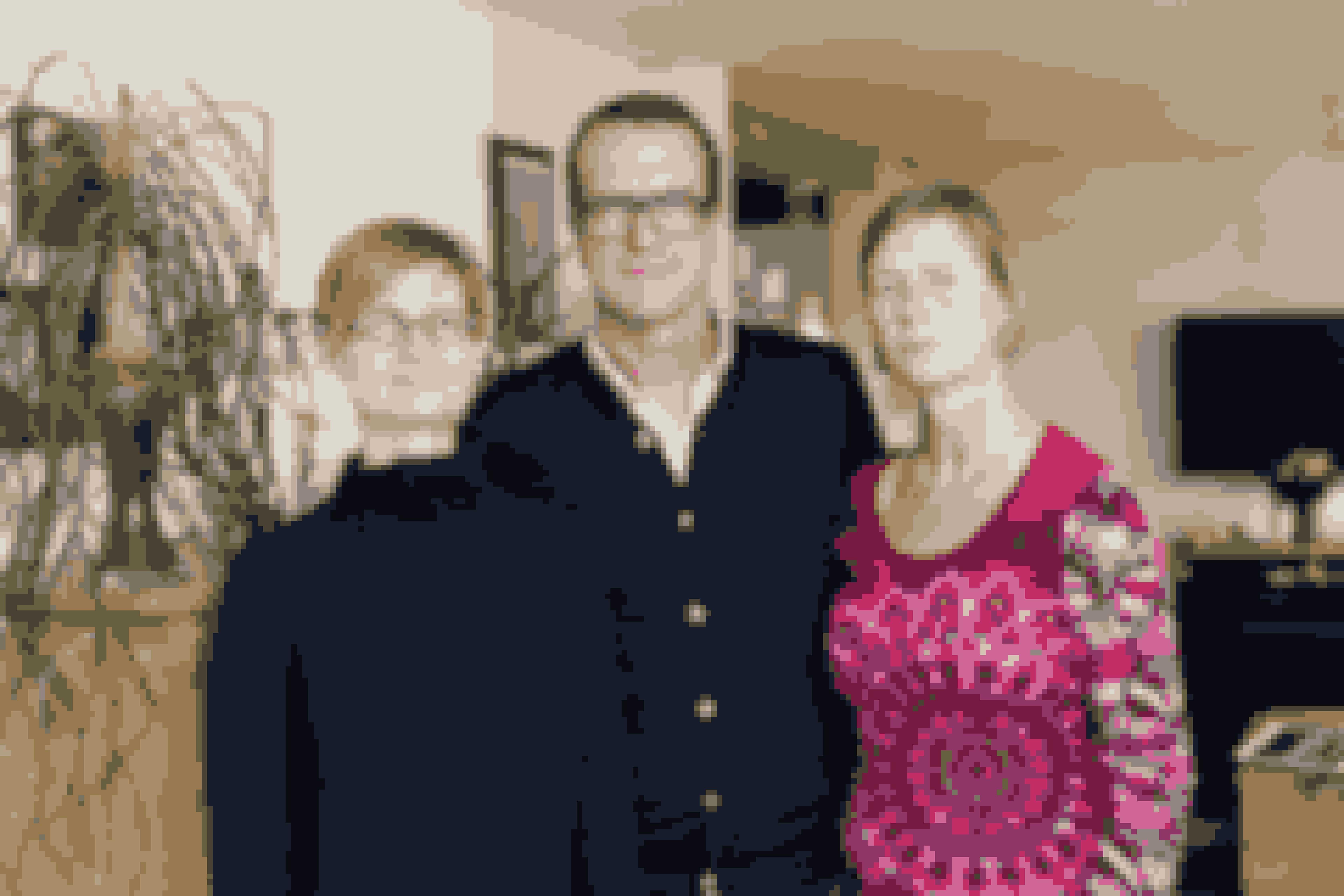 Ullas mand, Henrik, 52 år, støtter hende. Han var i mange år som en far for Rebecca.