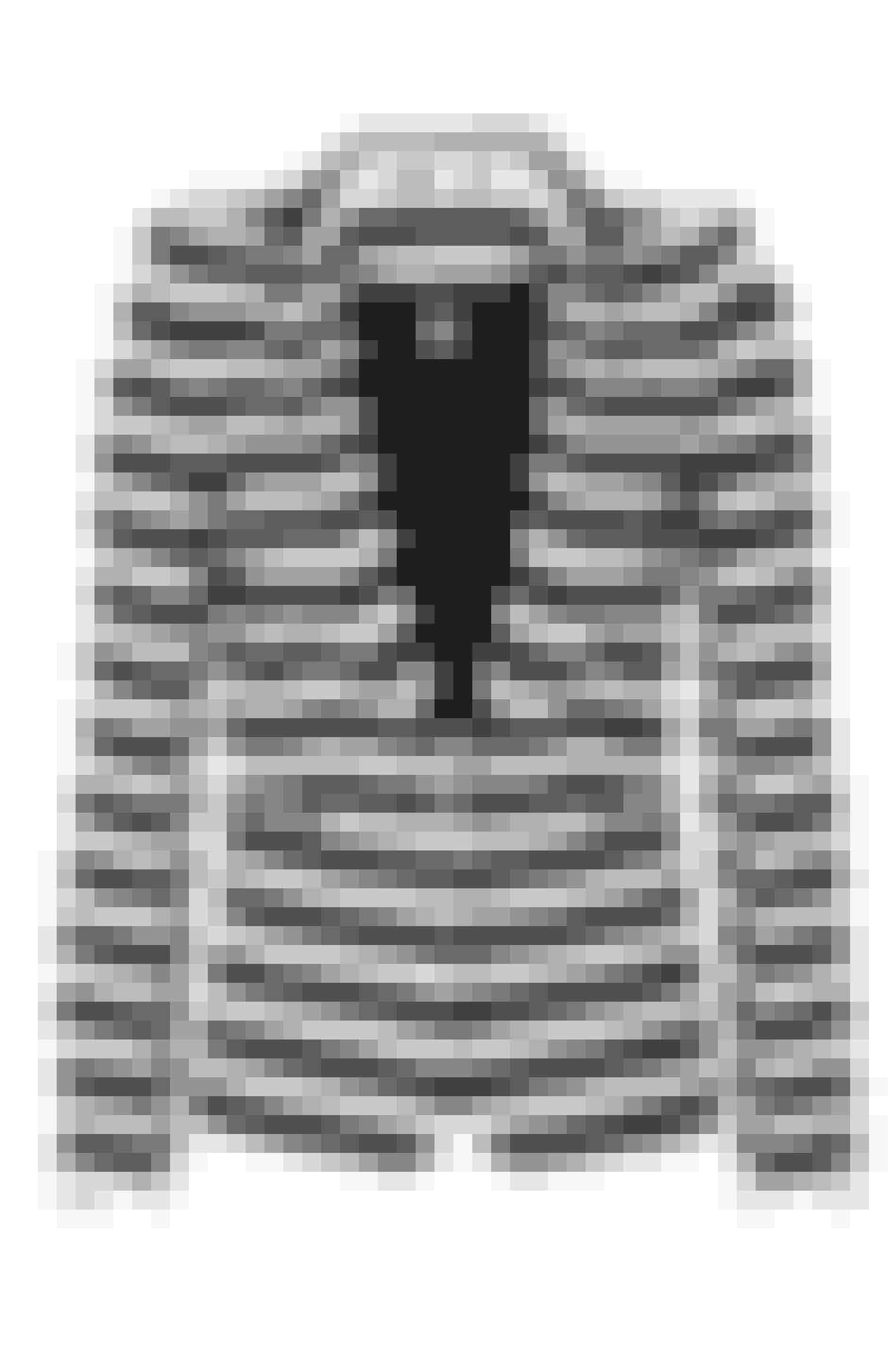 Den enkle, stribede blazer fra Ellos Collection går an til både hverdag og fest.Vejl. pris: 399 kr.Køb den her >>