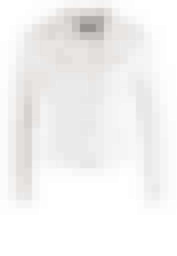 Denimjakken er en elsket evergreen. Denne er i feminin hvid og fra Dorothy Perkins.Vejl. pris: 299 kr.Køb den her >>