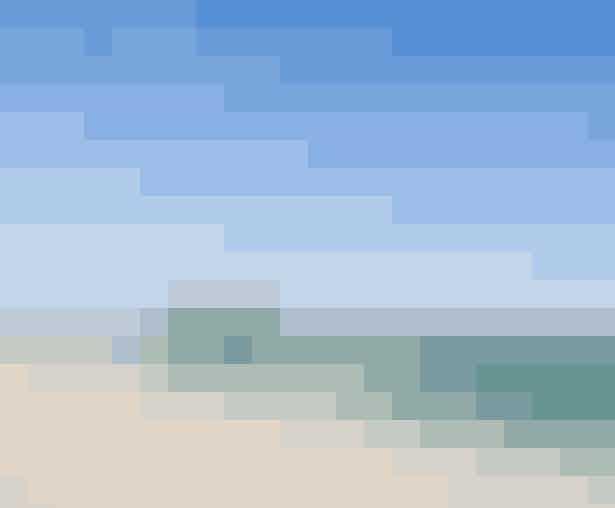 Her hersker solen og sandet. Den spanske ø Fuerteventura er den næststørste af de Kanariske Øer og ligger på samme breddegrad som Florida og Mexico - så man får mange solskinstimer.Fuerteventura er helt perfekt til en aktiv ferie, især til vandsport - og øen er da også kendt som et surferparadis.