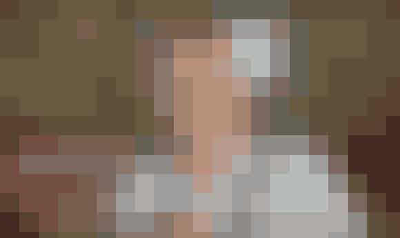Alder: 25 år - født 10. marts 1992Vægt: 79 kiloHøjde: 1.74 meterArbejde/uddannelse: Faglært landmandLandsdel: NordjyllandBopæl: Eget landsted, men bor i øjeblikket hos sine forældreLandbrug: Maskinmekaniker og svineavlBørn: IngenI sin fritid spiller Steffen både guitar og trommer. Han beskriver sig selv som en udadvendt, sjov fyr med et godt humør.Derudover sætter Steffen stor pris på sin familie.- Jeg er loyal, følsom og tænker en del over tingene - særligt det med pigerne, siger han. Efter to år som single er Steffen 100 procent klar til at slå sig ned. Han søger en naturlig pige uden for meget makeup. Hun skal være almindelig - både af kropsbygning og af sind, og så skal hun kunne rumme hans arbejdstider, der er op til 80 timer om ugen. Ellers er han rimelig åben for det meste.
