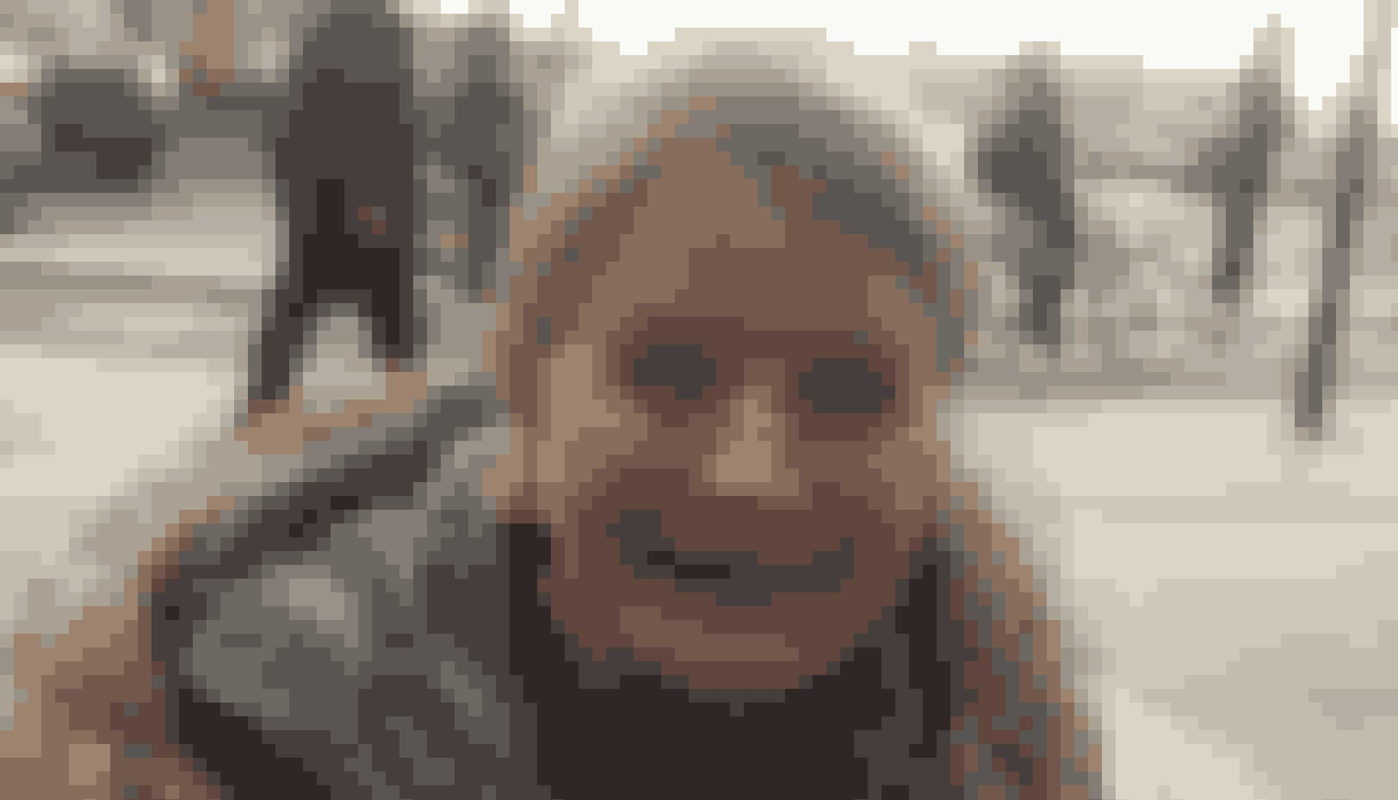 Navn: Margit NissenAlder: 64 årBy: ØsterbroJob: Efterlønner- Jeg har altid brugt omkring 10.000 kroner på julegaver fordelt på cirka 20 stk. Men i år skal jeg kun bruge 4.000-5.000 kroner, fordi vi har valgt kun at købe gaver til børnene og barnlige voksne. Det er nok 10 gaver, jeg skal købe. Jeg kan godt lide at give gaver, og jeg følger altid ønskelisterne. Jeg begynder typisk at købe pakkerne i begyndelsen af december, for jeg skal lige have færdiggjort de hjemmelavede pakkekalendere til alle mine børnebørn.