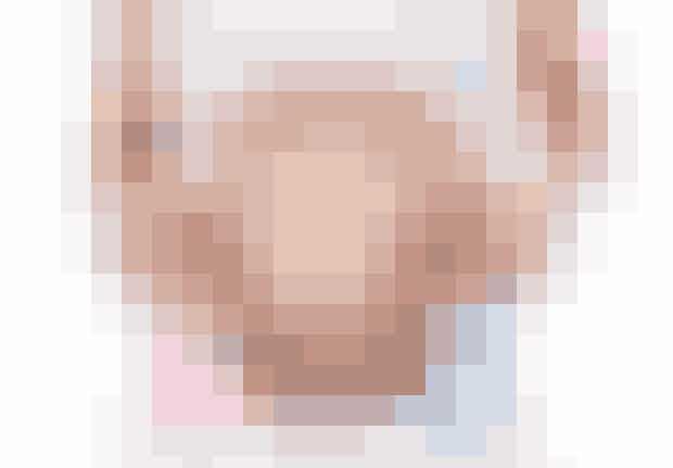 Hvis dine hænder er meget tørre under graviditeten, får du en dreng. Bløde hænder betyder derimod en pige.
