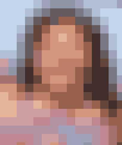 "I ""Austin & Ally"" spiller hun den 17-årige pige Trish, men faktisk erRaini nu 22 år."