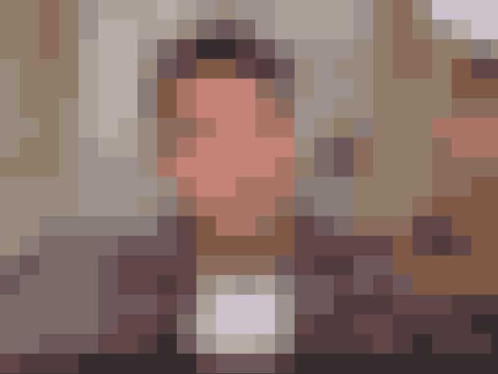 Alfie Deyes er kæreste med Zoella, men han har også sin egen YouTube-blog, PointlessBlog. Følg ham her.