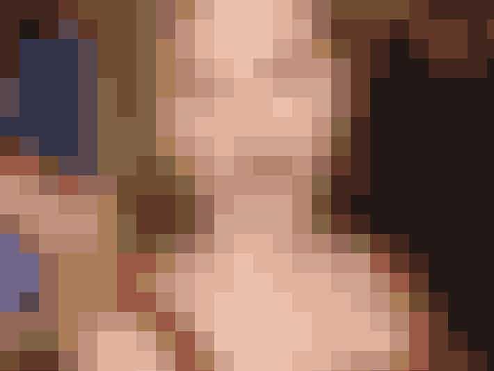 Scarlett Johansson bruger æblecider-eddike som skin tonic til at bekæmpe sine bumser.