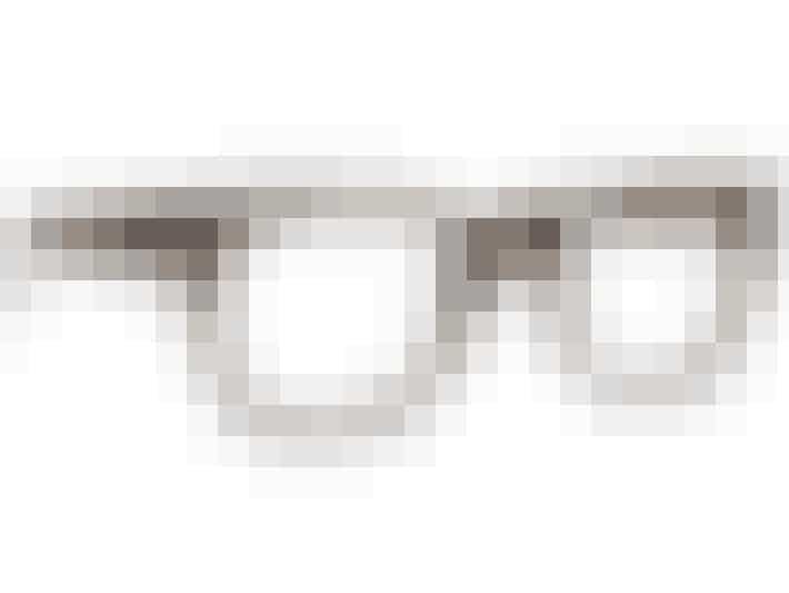 Briller uden styrke fra Spitfire til 224,25 kroner 8Før: 299 kroner). Køb dem her: shop.bazaronline.dk