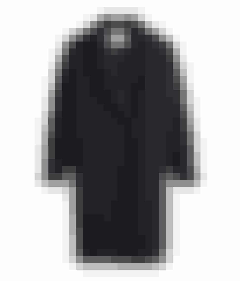 Lang sort frakke fra H&M til 799 kr.