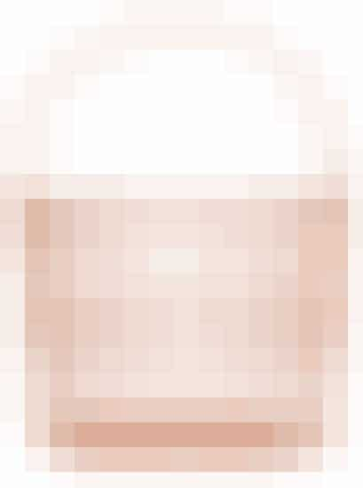 Put dine småting i en flot beholder. For eksempel denne kobber-kurv, som er supersej. Den er perfekt til opbevaring af tørklæder, fyrfadslys, armbånd eller andre sager, som ellers kommer til at ligge og flyde.   Kurv fraH&M Home til 79,95 kroner.