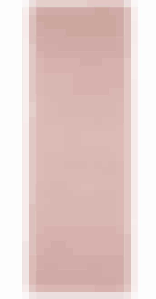 Dine morgener bliver nærmest hotelagtige, hvis det første, du mærker, når du svinger fødderne ud af sengen, er et blødt tæppe under fødderne … Det cute, lyserøde tæppe tager Ellos.dk 129 kroner for.