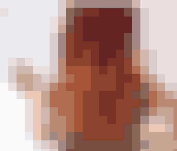 En anden tendens, som er startet i år, er ild-håret. Her farver piger deres helt hår rødt i toppen, og lader farven fade ud i spidserne til orange-gule toner.
