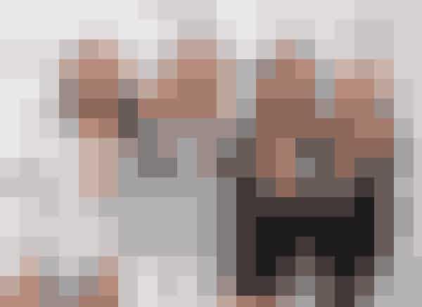 Little MixSover med makeupAlle pigerne fra Little Mix elsker at gå op i deres udseende, både når det gælder outfits, hår og makeup! Så når de et blevet stylet til den røde løber, et fotoshoot eller en musikvideo, har pigerne fået en dårlig vane med ikke at fjerne makeuppen igen.– Hvis vi får lagt makeup, vi er vilde med, og vi skal noget den næste dag, så sover vi bare med den, har Jesy Nelson fortalt.