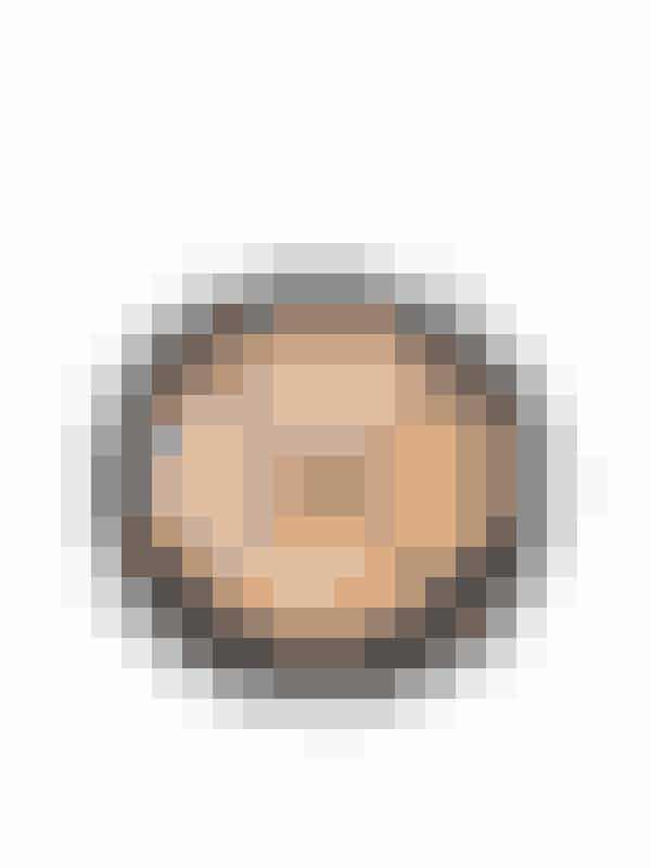 Dit ansigt har ikke helt samme nuance over det hele - derfor er en concealer med flere nuancer god at ha', hvis man ikke skal kunne se, at du har makeup på ...Concealer fra Isadora hos Nelly.com til 149 kroner