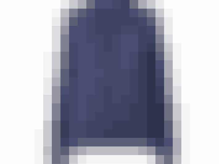 Fin bluse, der både kan bruges til hverdag med et par jeans og til fest med en fin nederdel.