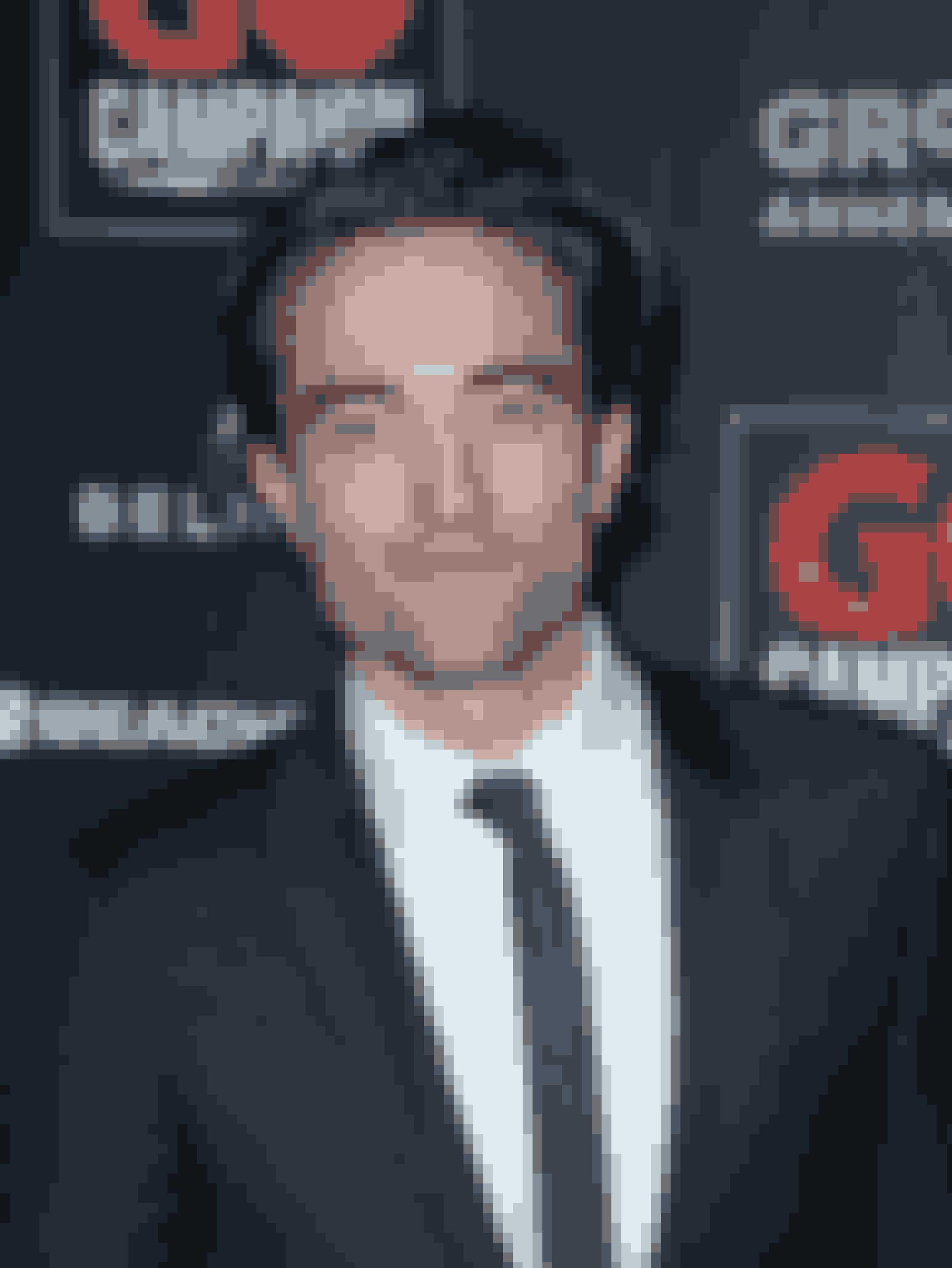 """Robert Pattinson: Man bliver hele tiden forstyrret""""Twilight""""-stjernen har fortalt Premiere, at når han ankommer et sted i Los Angeles, går der cirka 40 sekunder, før nogen spørger, om han vil skrive en autograf. Ifølge Robert er det de sociale medier, som gør det alt for nemt for fans at finde ud af, hvor han er. Han sagde også, at hvis Twitter ikke eksisterede, så kunne han gå rundt i fred."""
