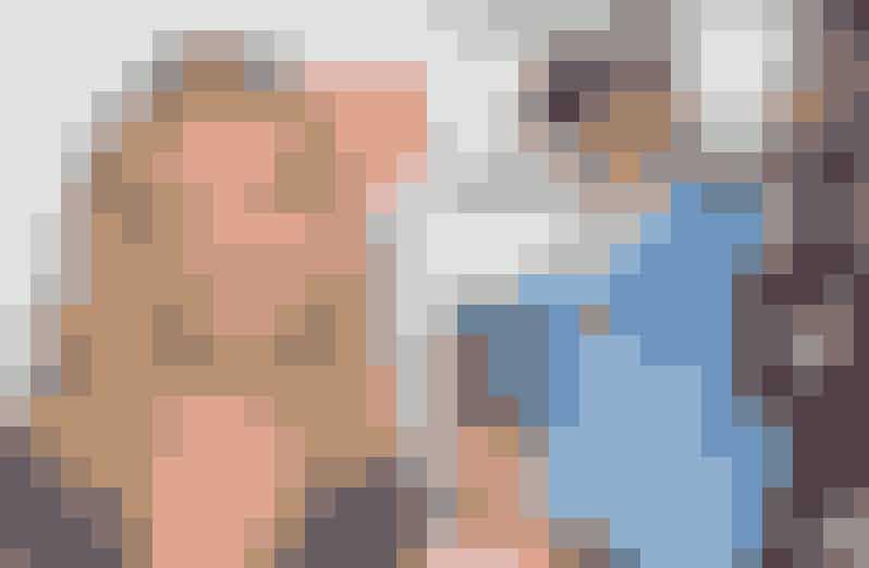 Sarah Michelle Gellar afslog rollen som Amber i Clueless – spillet af Elisa DonovanEn af producerene fra Clueless elskede Sarah i sæbeopeaen All My Children, og da han viste klip af hende til manuskript-instruktøren Amy Heckerling, tilbød de Sarah rollen som stride Amber i Clueless. Der kom desværre store planlægningsproblemer med serien All My Children, som hun allerede var med i, og hun var derfor nødt til at afslå rollen, der så gik til Elisa Donovan, som virkelig også gjorde et godt job som snobbet rigmandspige.