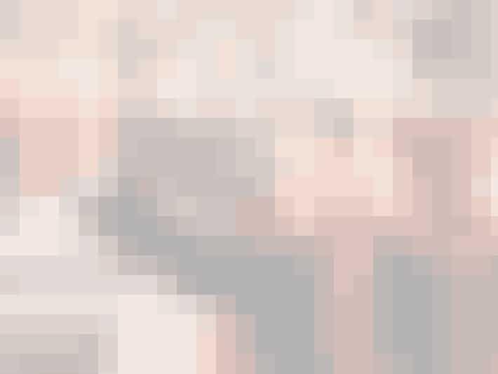 Spinat mellem tænderne? Klatter i øjenhulen? Andet overfladisk som kan ødelægge billedet? Nope! Så er I klar. Det ville være så ærgerligt, hvis jeres gode selfie skulle slettes, fordi den ene af jer har mascara-pletter under øjnene.