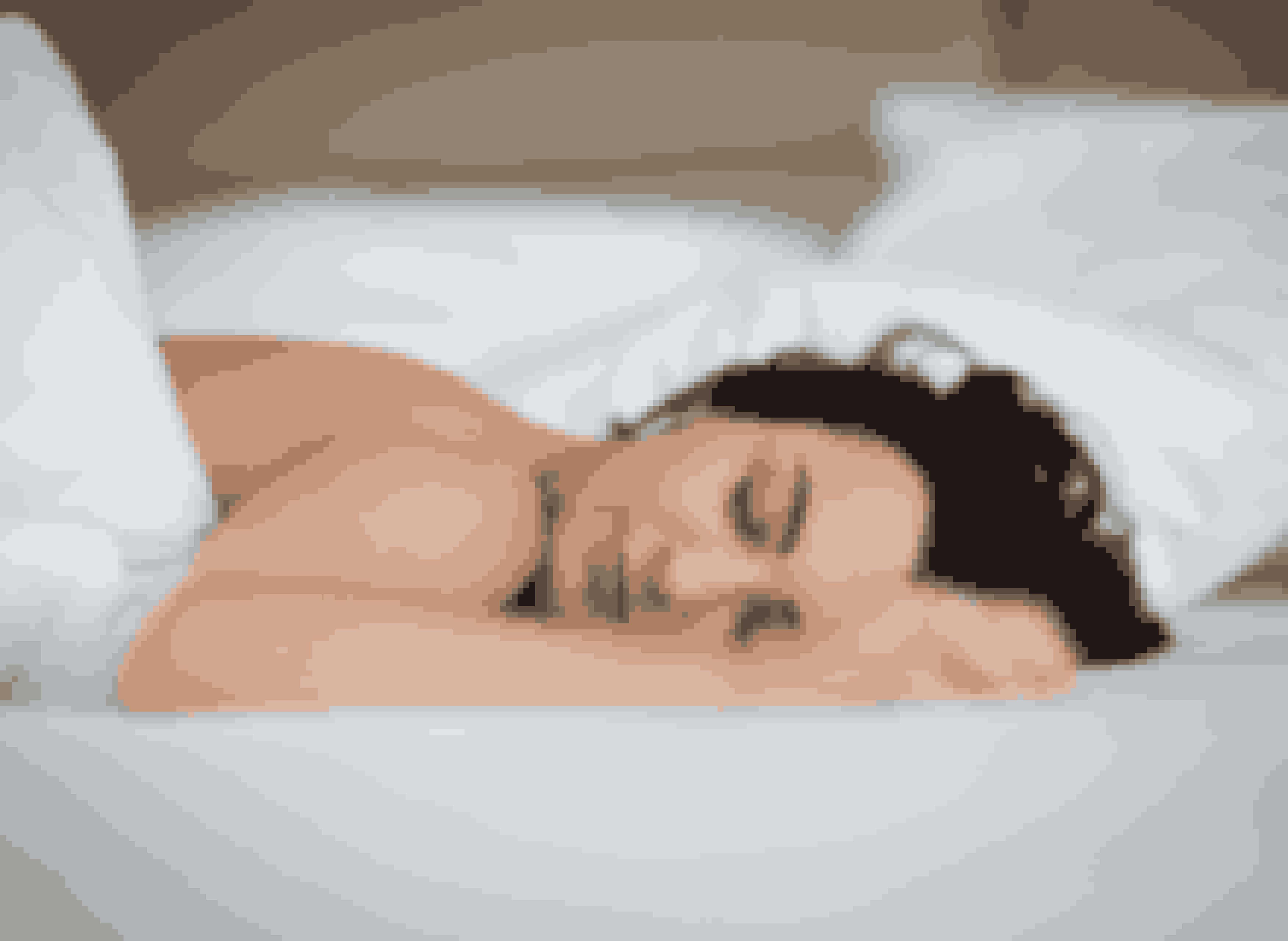 Det, som giver dig den allerbedste søvn, er at sove, som moderjord skabte dig – nemlig helt nøgen.