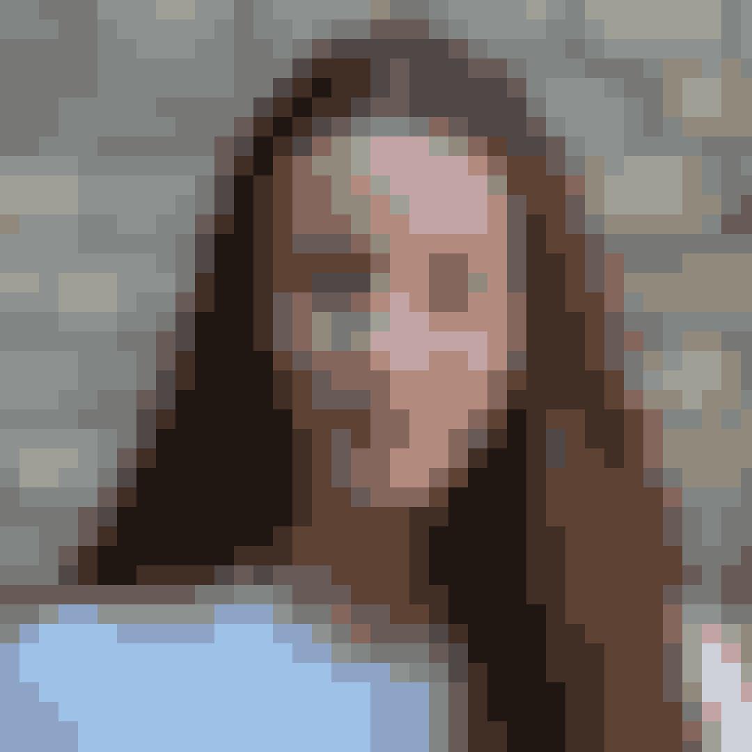 """Navn: Josephine Chavarria HøjbjergRolle i """"Første gang"""": SofieSofie går på efterskole og prøver at tackle den svære kærlighed, der optager meget af hendes tid, mens hun samtidig forsøger at være en god veninde. Det kan godt være lidt besværligt!"""